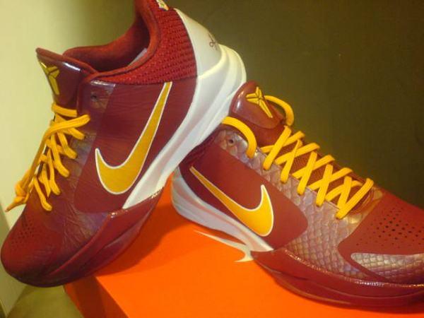 online store c7ee1 b15c9 ... Nike Zoom Kobe V - USC