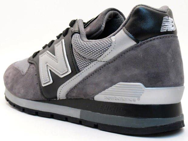 black new balance 996