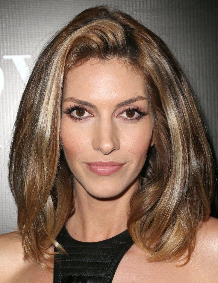 Medium Hairstyles: Medium Thick Hairstyles. Medium Hairstyles For Thick Hair Wallpaper Hd Hairstyles Of Women Laptop High Resolution Good Styles
