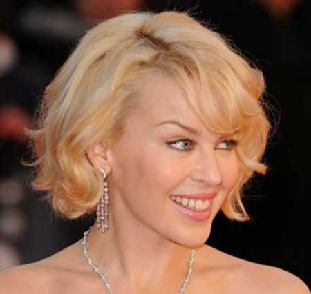 25+ Stunning Short Hairstyles for Wavy Hair