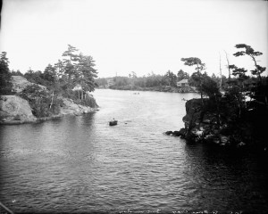 Go Home Bay, Georgian Bay, Ontario. (item 1) (JPG)  Credit: William James Topley/Library and Archives Canada/PA-008551.