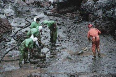 Kalamazoo-River-Enbridge-spill-400x265