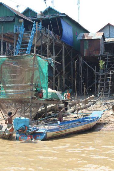 cambodia-floating3