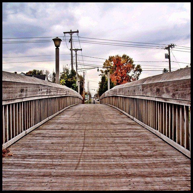 Batavia walking bridge