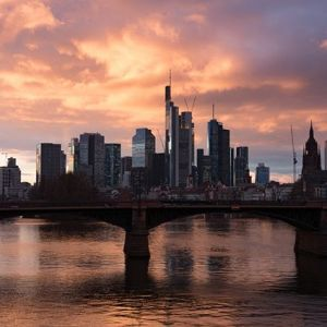 Frankfurt am Abend. #skyline #main