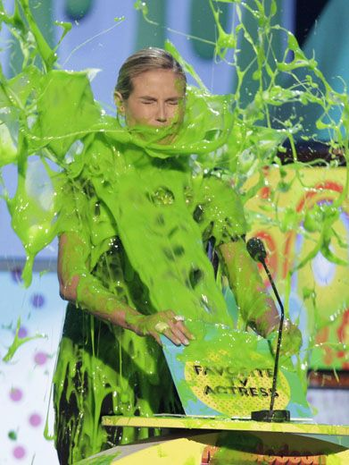 There's Nowhere to Heid!|Heidi Klum got a surprise face full of globbery goo while presenting for Favorite TV Actress.