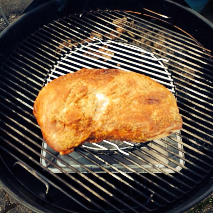 3 kg Schweineschulter, low & slow gegart