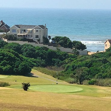 Enjoy golf while on your hunt in South Africa