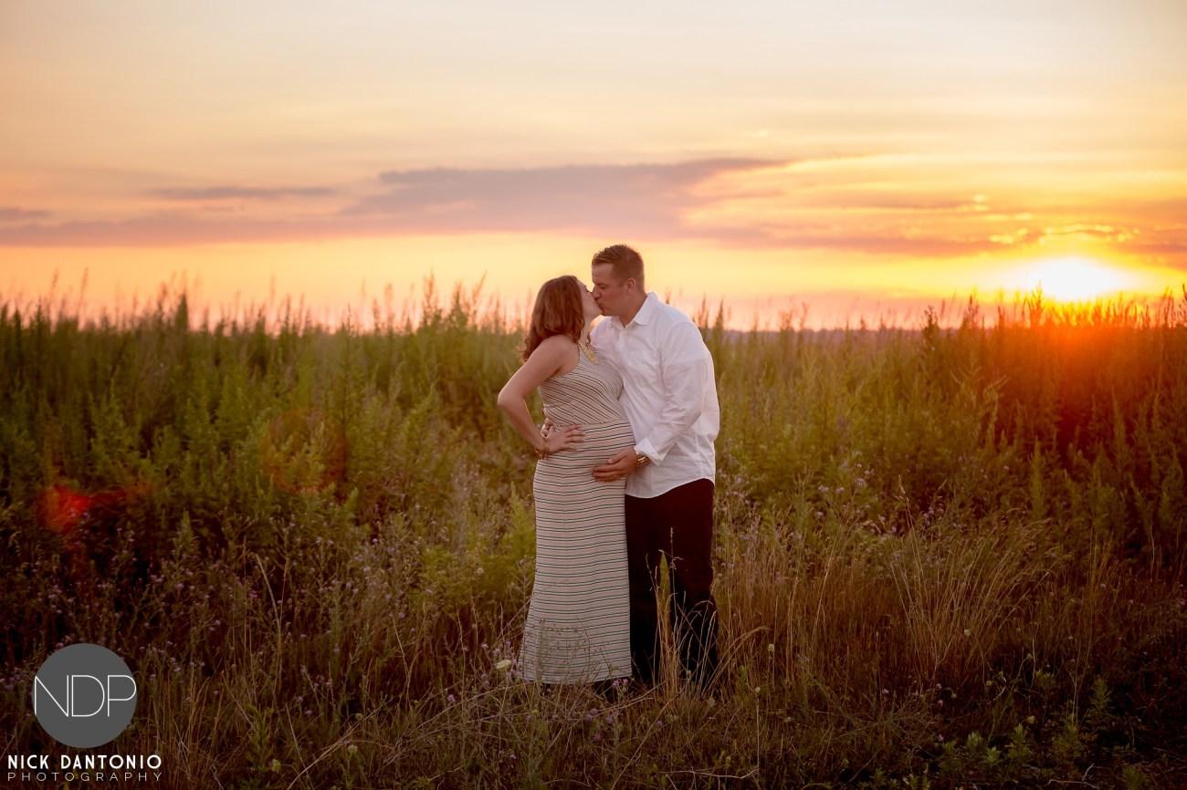 11-Buffalo Waterfront Sunset Maternity Photos_FB
