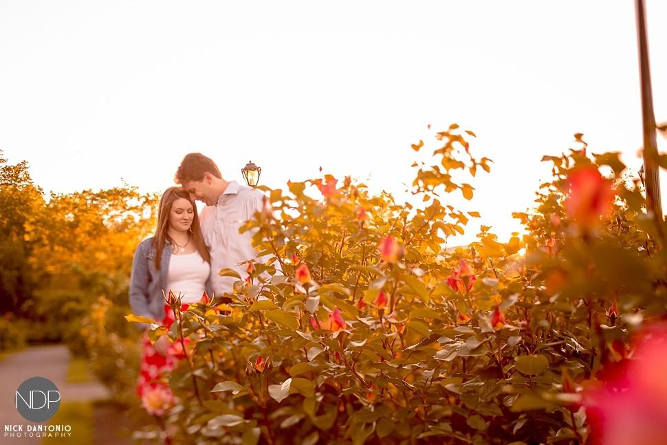 20-Delaware Park Engagement Photos