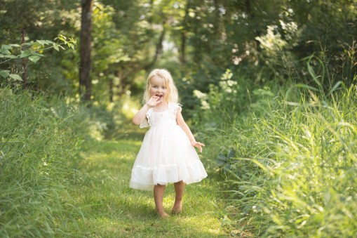 child in outdoor lifestyle styled photo session