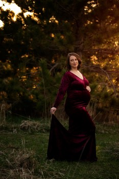 mother-to-be in a gorgeous sunset maternity portrait by MN Family Photographer Nicki Joachim Photography of Owatonna, Minnesota