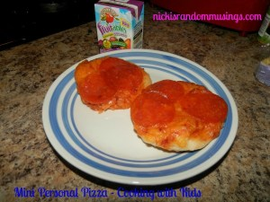 Mini Personal Pizza – Cooking with Kids