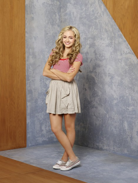 "GAMER'S GUIDE TO PRETTY MUCH EVERYTHING - Disney XD's ""Gamer's Guide to Pretty Much Everything"" stars Sophie Reynolds as Ashley. (Disney XD/Craig Sjodin)"