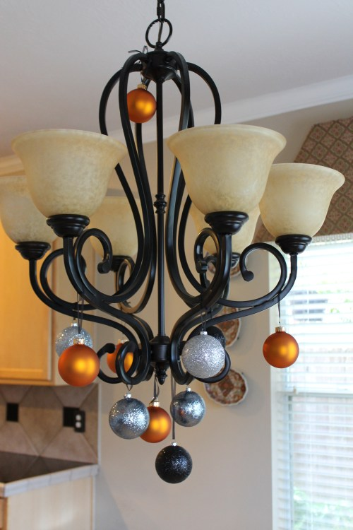 EASY Halloween Chandelier. . .in 5 minutesTops!