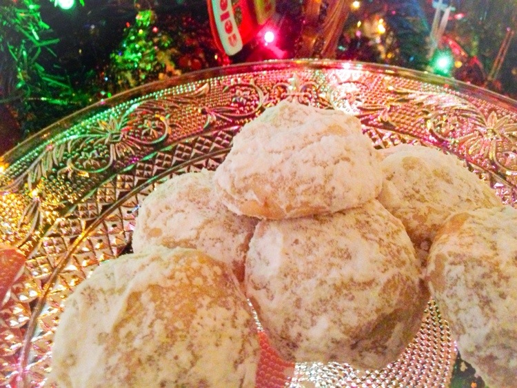 The Best Christmas Cookie EVER: Russian Tea Cake/ Snowball / Mexican wedding
