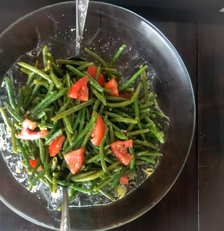 Super EASY Green Bean and Tomato Salad with Spicy Mustard Vinaigrette