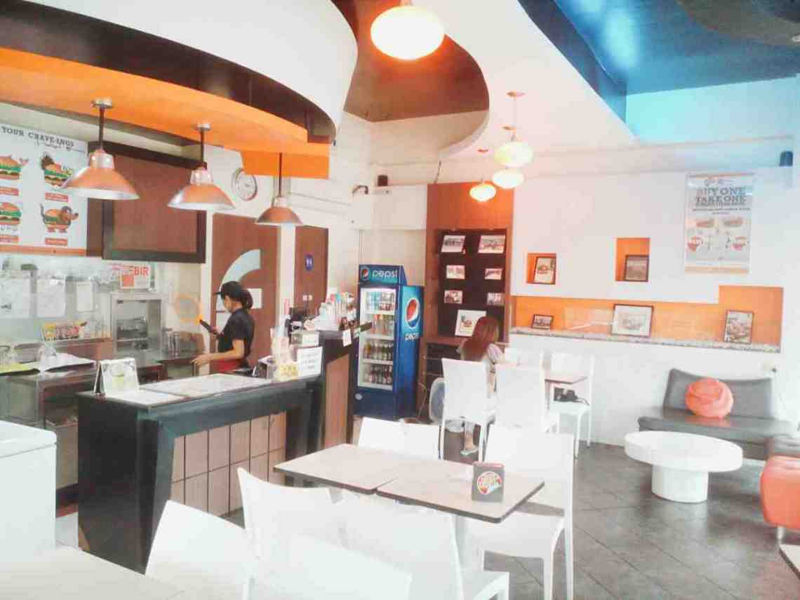 Crave Burger Interior - BF Resort Las Pinas