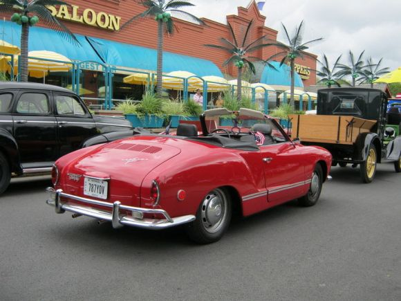 VW Karmann Ghia Red