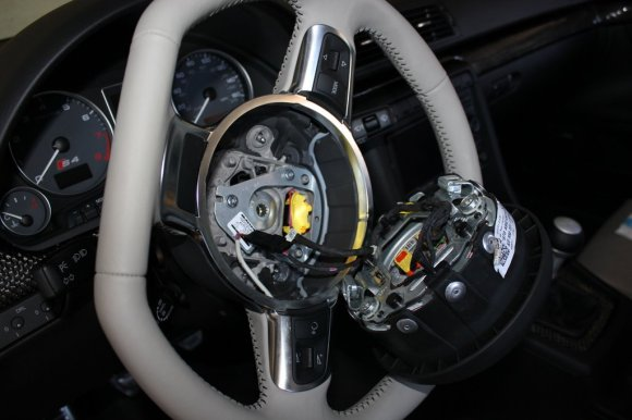 Airbag harness connection