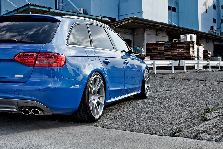 so s sprint blue b8 audi s4 avant in tokyo nick 39 s car blog. Black Bedroom Furniture Sets. Home Design Ideas