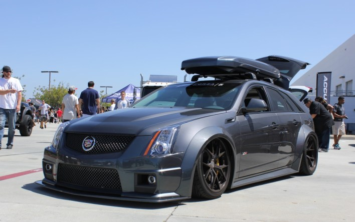 CTS-V Wagon on Air