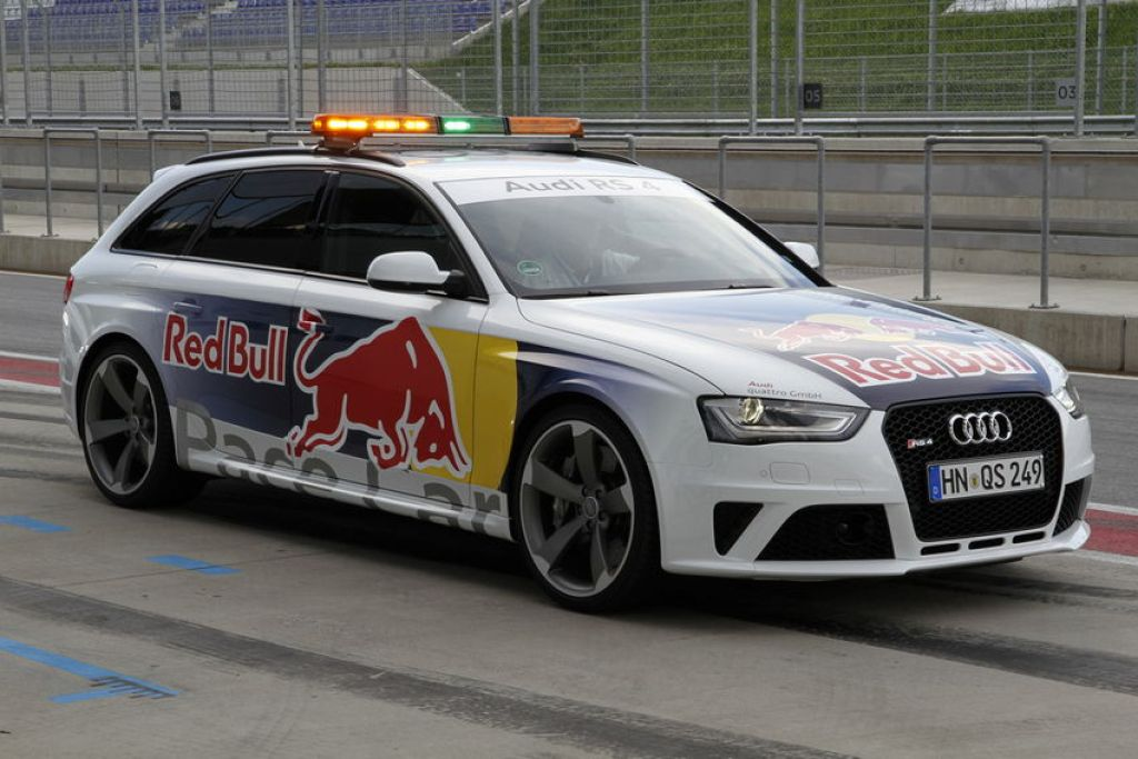 b8 RS4 Red Bull Pace Car