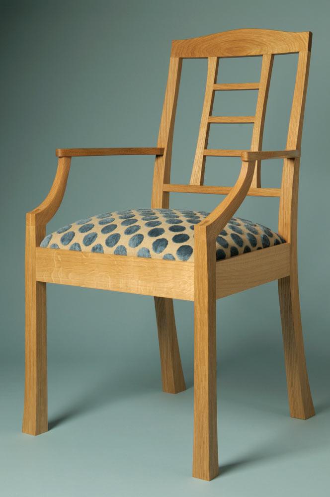 Ladder back chair in oak