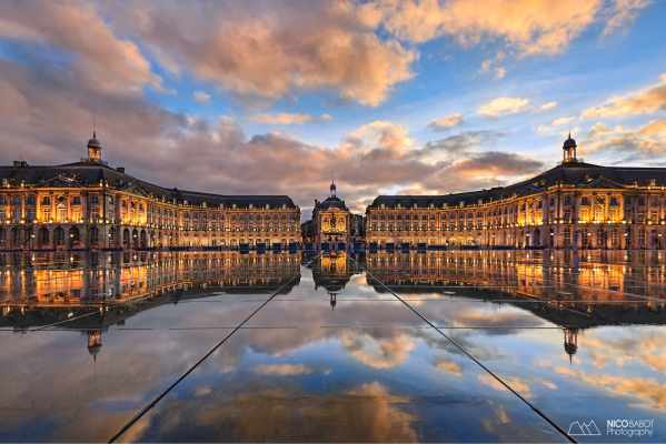 Sunset Bordeaux Place de la Bourse photo by Nico Babot