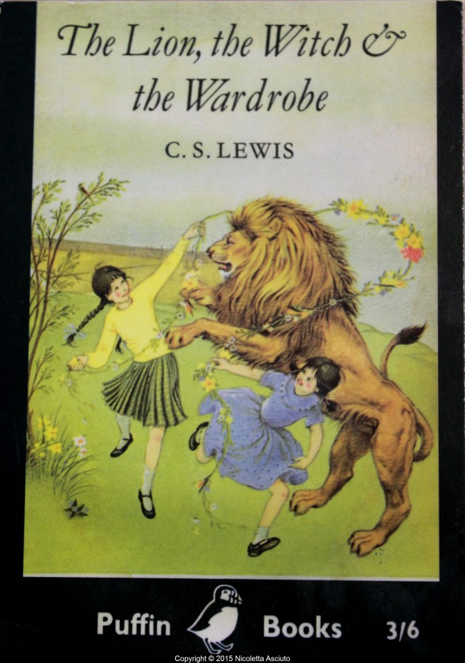 Cover of the first edition of The Lion, the Witch and the Wardrobe