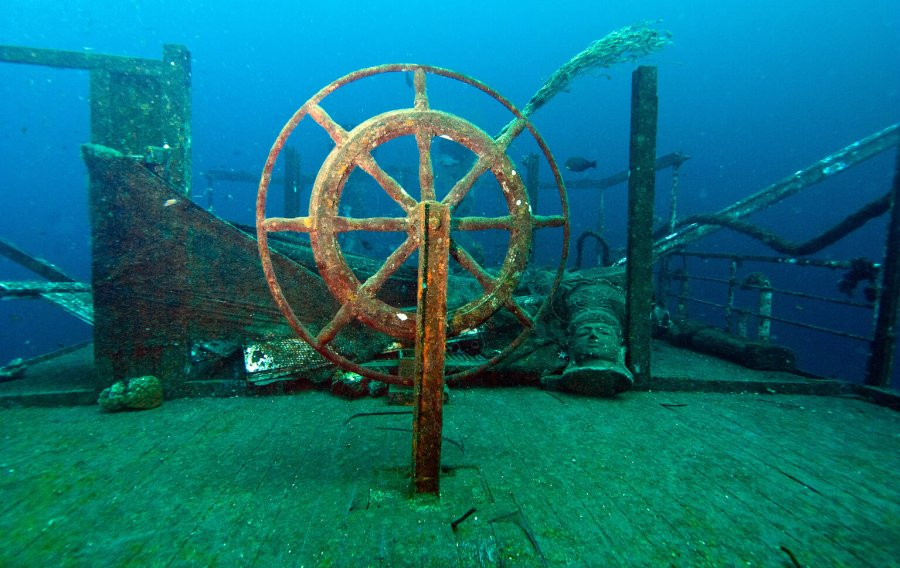 The wheel of the Boga Wreck, still intact.
