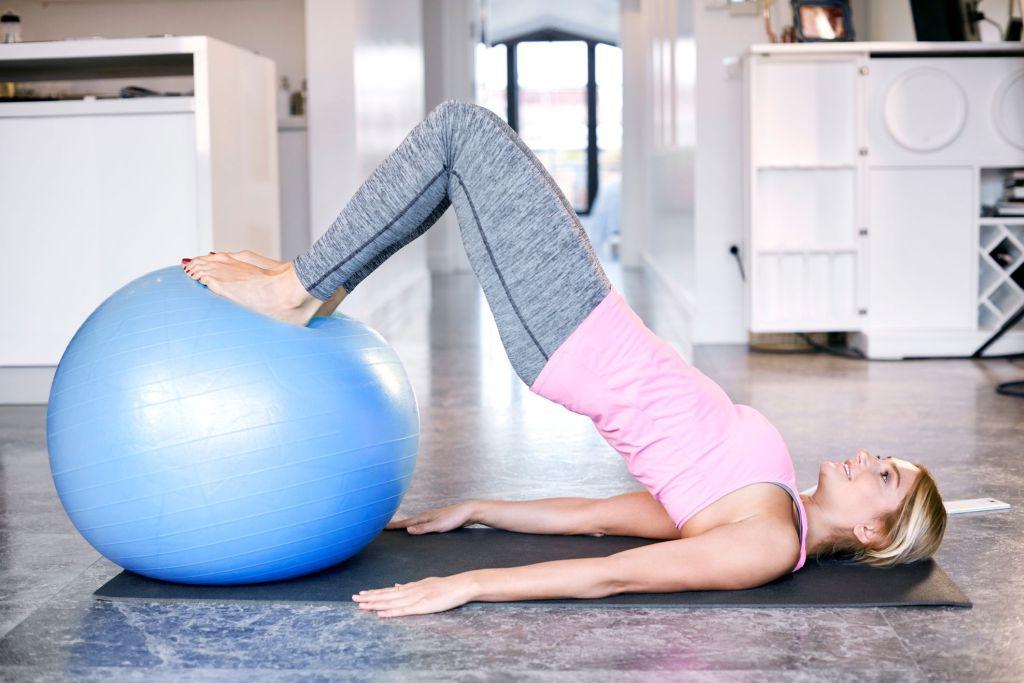 pilatesboll övningar