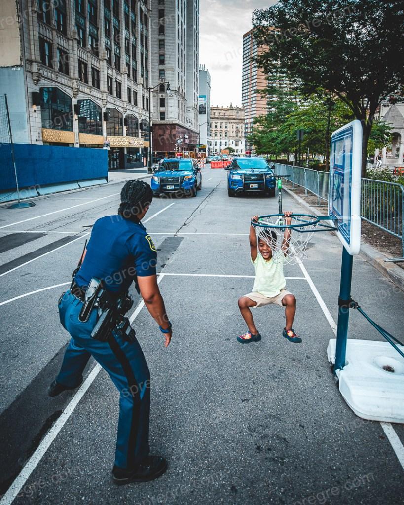 Qui a osé dire que la police de Détroit n'était pas cool?