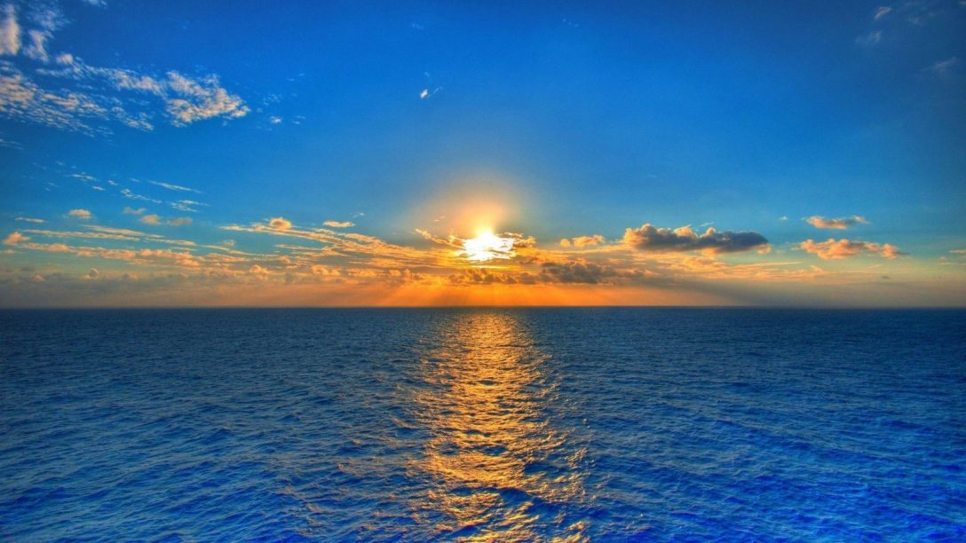 golden-sunset-on-the-blue-sea.jpg