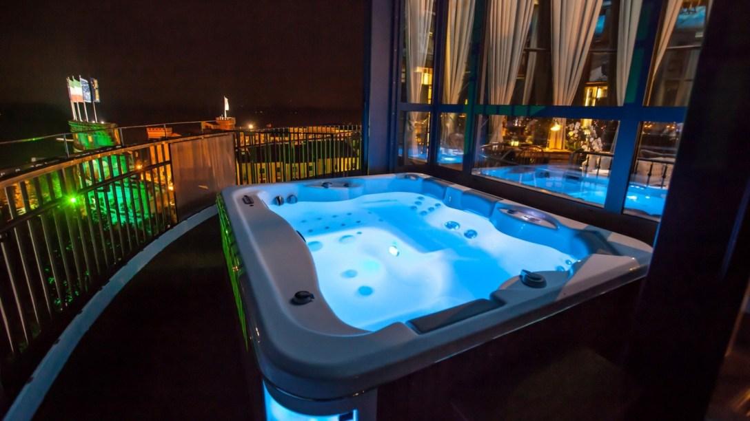 europa-park_hotel_bell-rock_johnfkennedy-suite-leuchtturm8