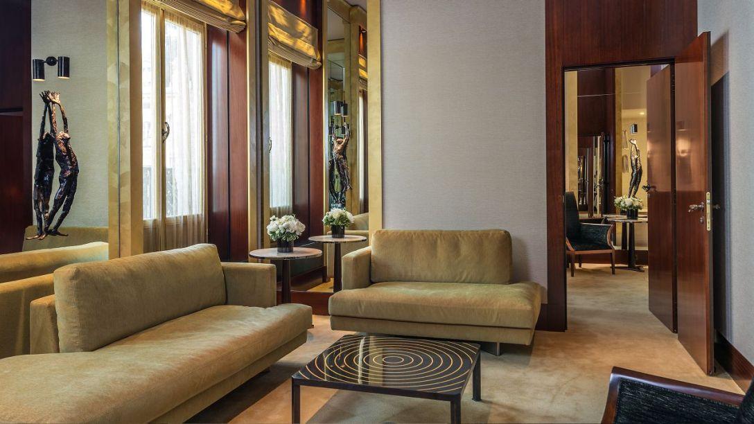 Park-Hyatt-Paris-Vendome-P986-Prestige-Suite-Living-Room.adapt.16x9.1280.720