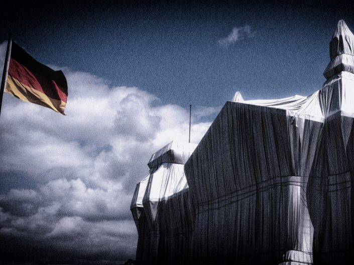 wrapped reichstag berlin