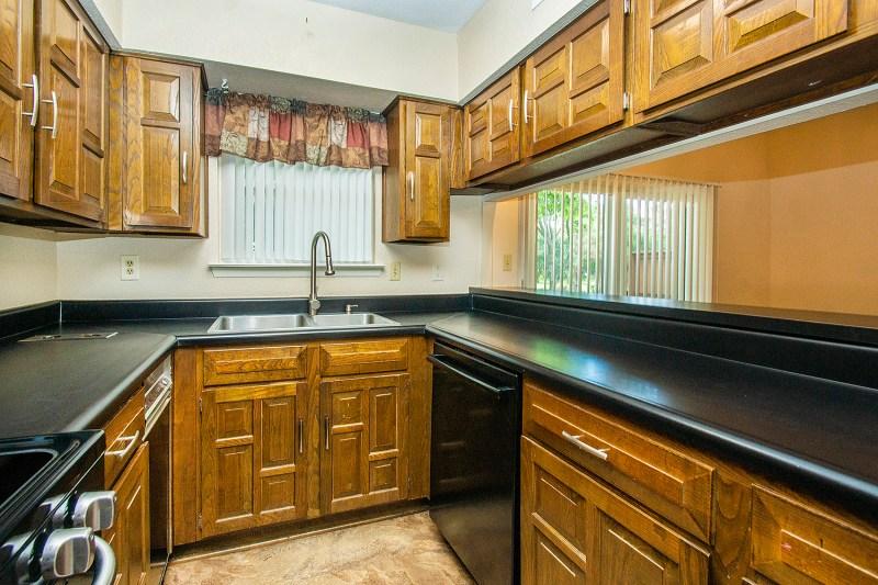 kitchen bar 2938 shady lake