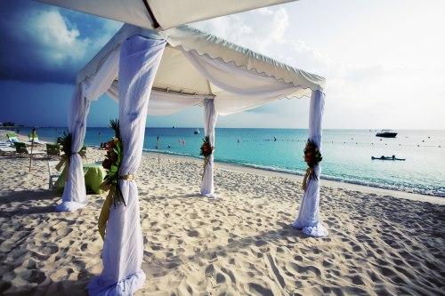 Cayman Island Wedding Ritzy I Dos: Destination Wedding Grand Cayman Ritz Carlton