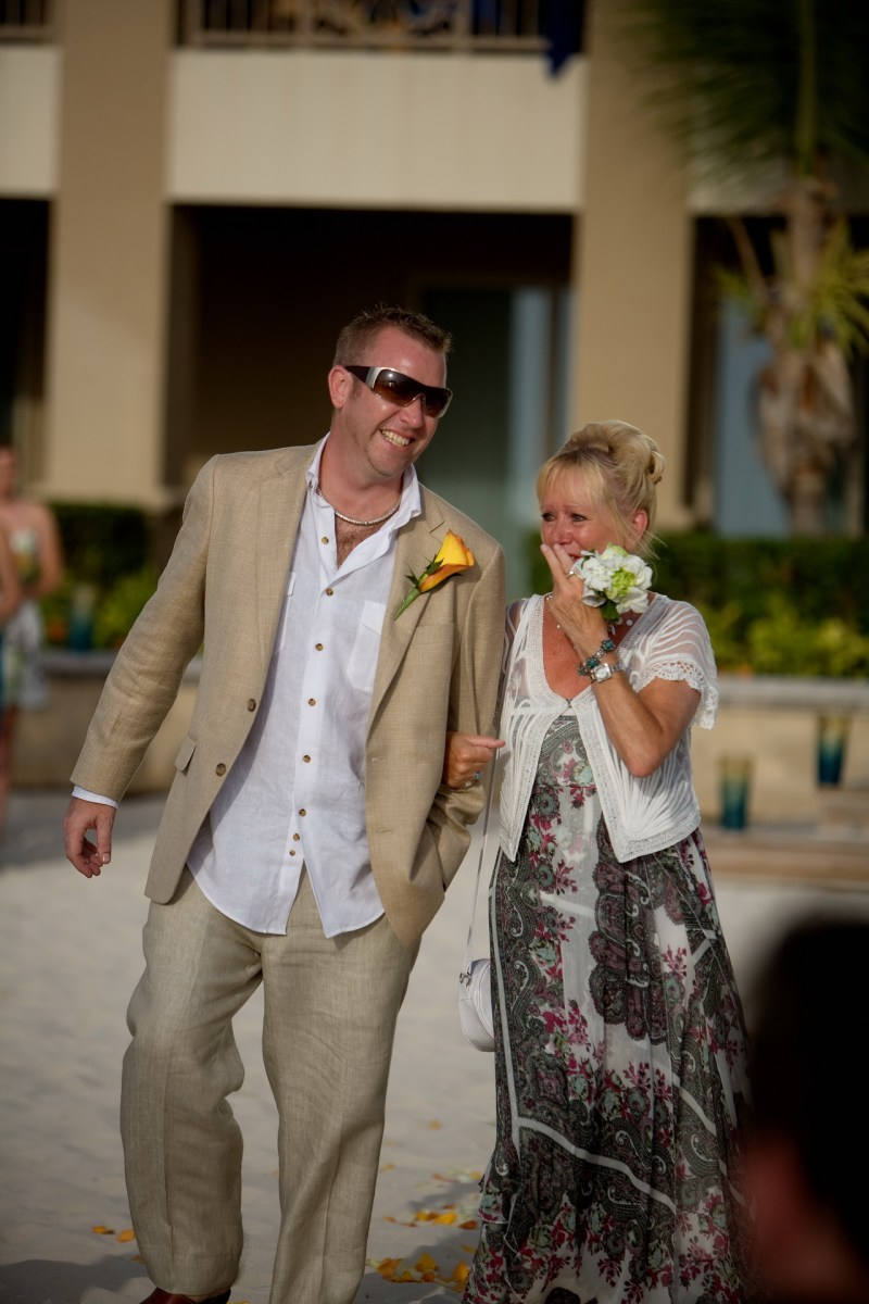ritz carlton gramd cayman weddings 16