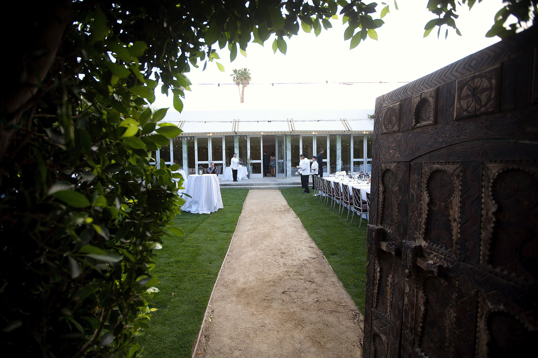 parker palm springs wedding venue photos by nicole caldwell075