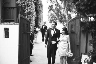 Franciscan Garden Weddings san Juan Capistrano photo by Nicole Caldwell Studio 01080