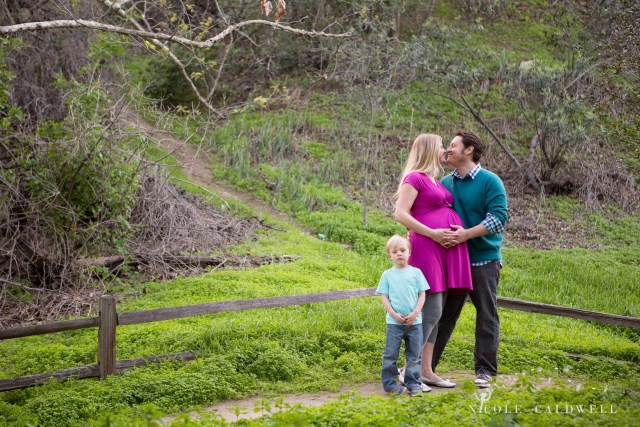 maternity photos in the park by oc photographer nicole caldwell 13