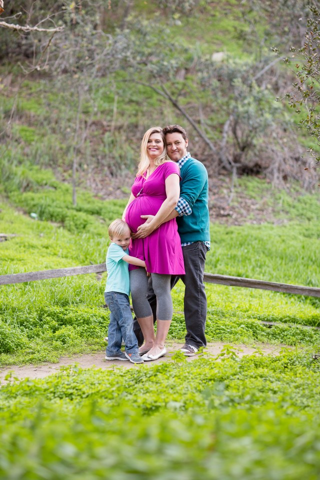 maternity photos in the park by oc photographer nicole caldwell 14