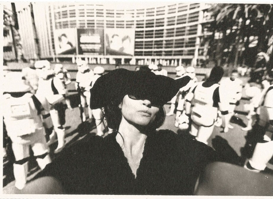 marla-selfies-fight-club-star-wars-celebraion-anaheim