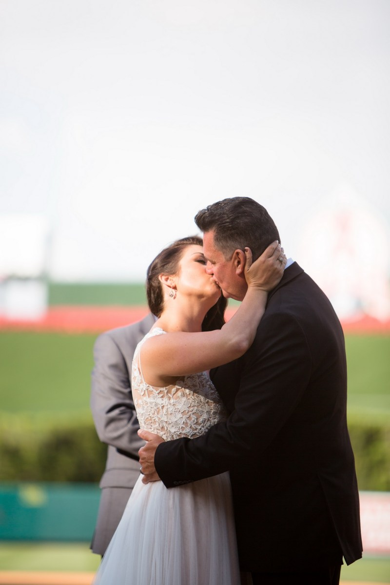 angels stadium of anaheim wedding venue 54
