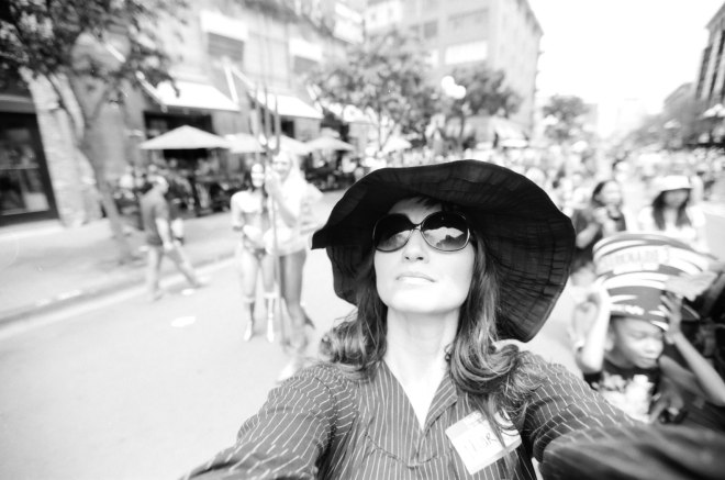 comic-con-marla-singer-selfies-fight-club-01