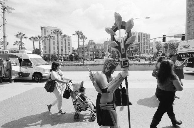 comic-con-san-diego-black-and-white-film-photographs-Nicole-Caldwell-11