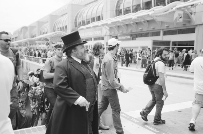 comic-con-san-diego-black-and-white-film-photographs-Nicole-Caldwell-54
