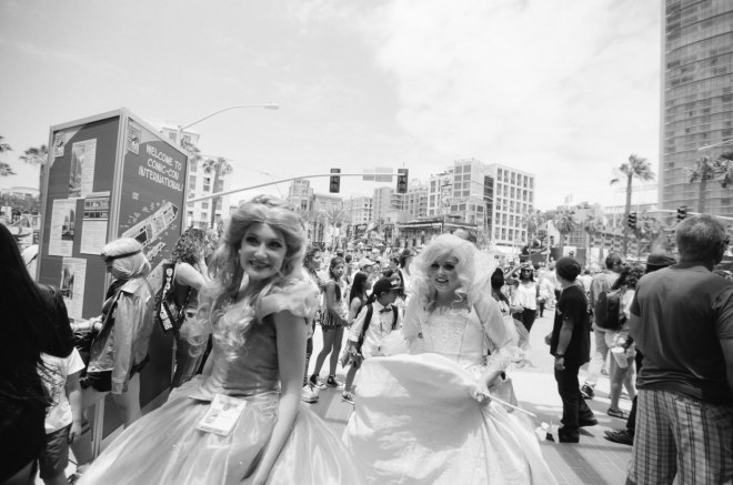 comic-con-san-diego-black-and-white-film-photographs-Nicole-Caldwell-a10